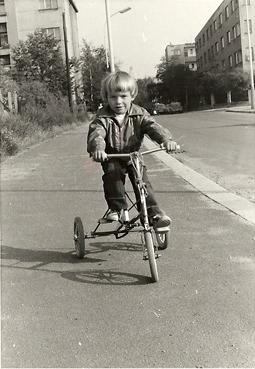 Filip v roce 1975, tedy jako dítě.