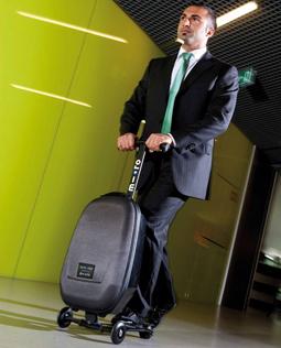 Koloběžka Micro Luggage je opravdu originální